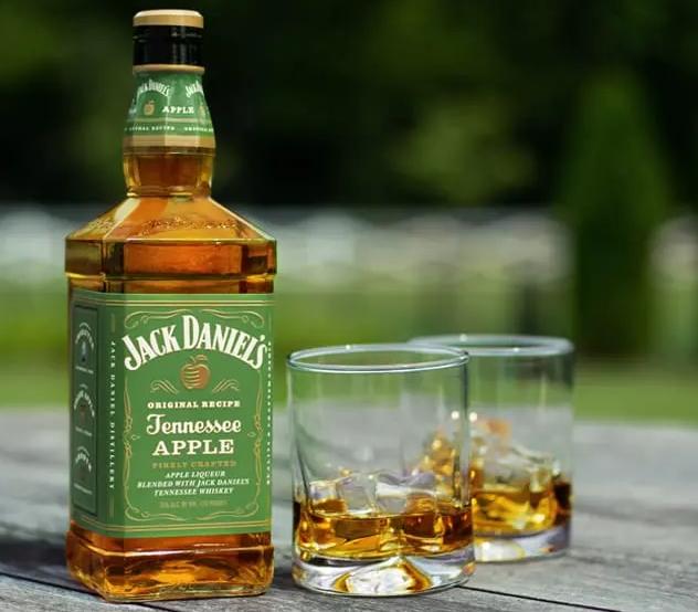 Jack Daniel's Tennessee Apple recenze
